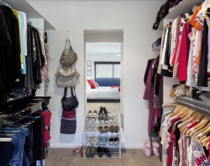 storing-clothes-in-the-summer